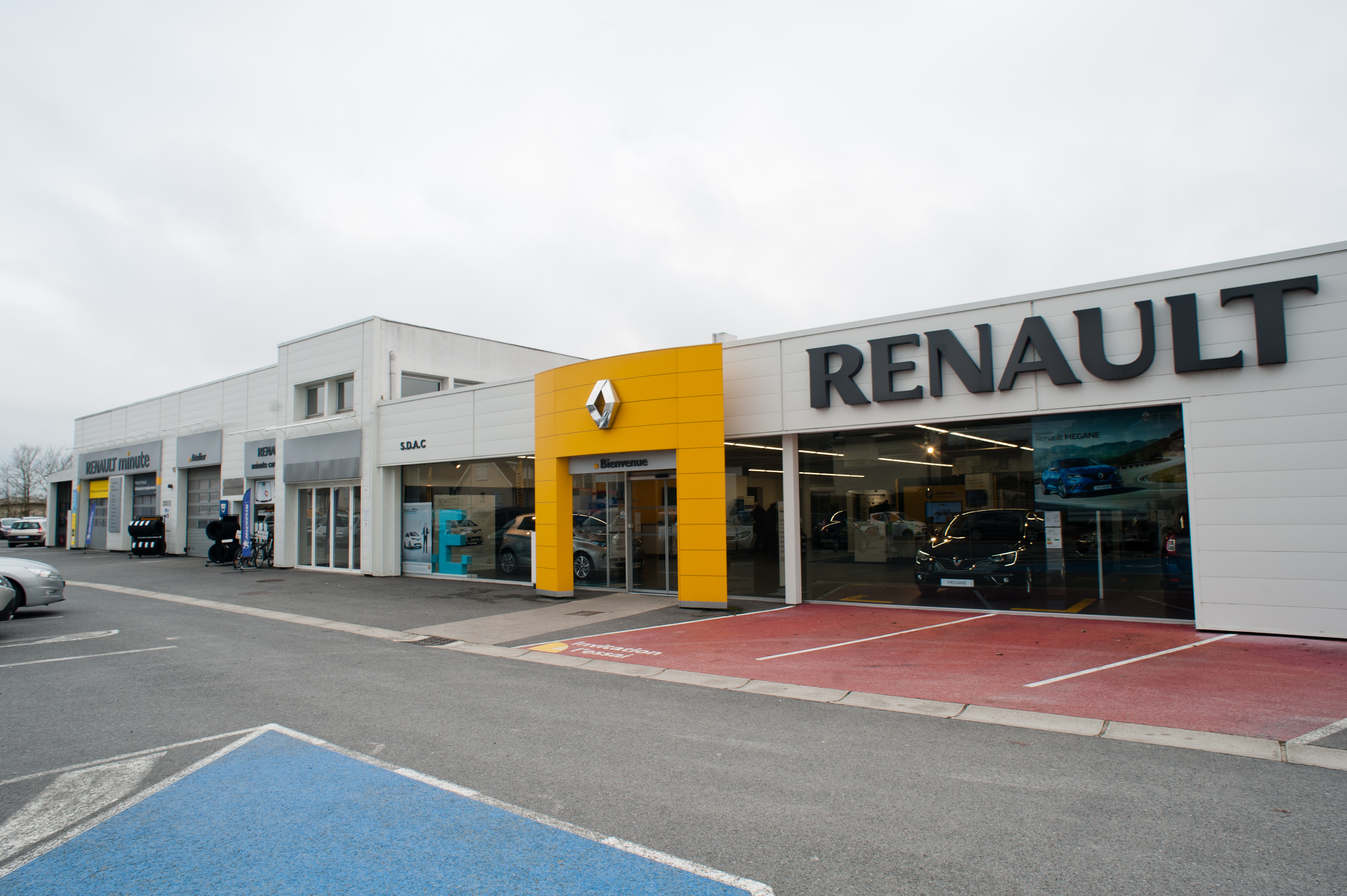 renault chalons autosphere concessionnaire renault chalons en champagne auto occasion. Black Bedroom Furniture Sets. Home Design Ideas