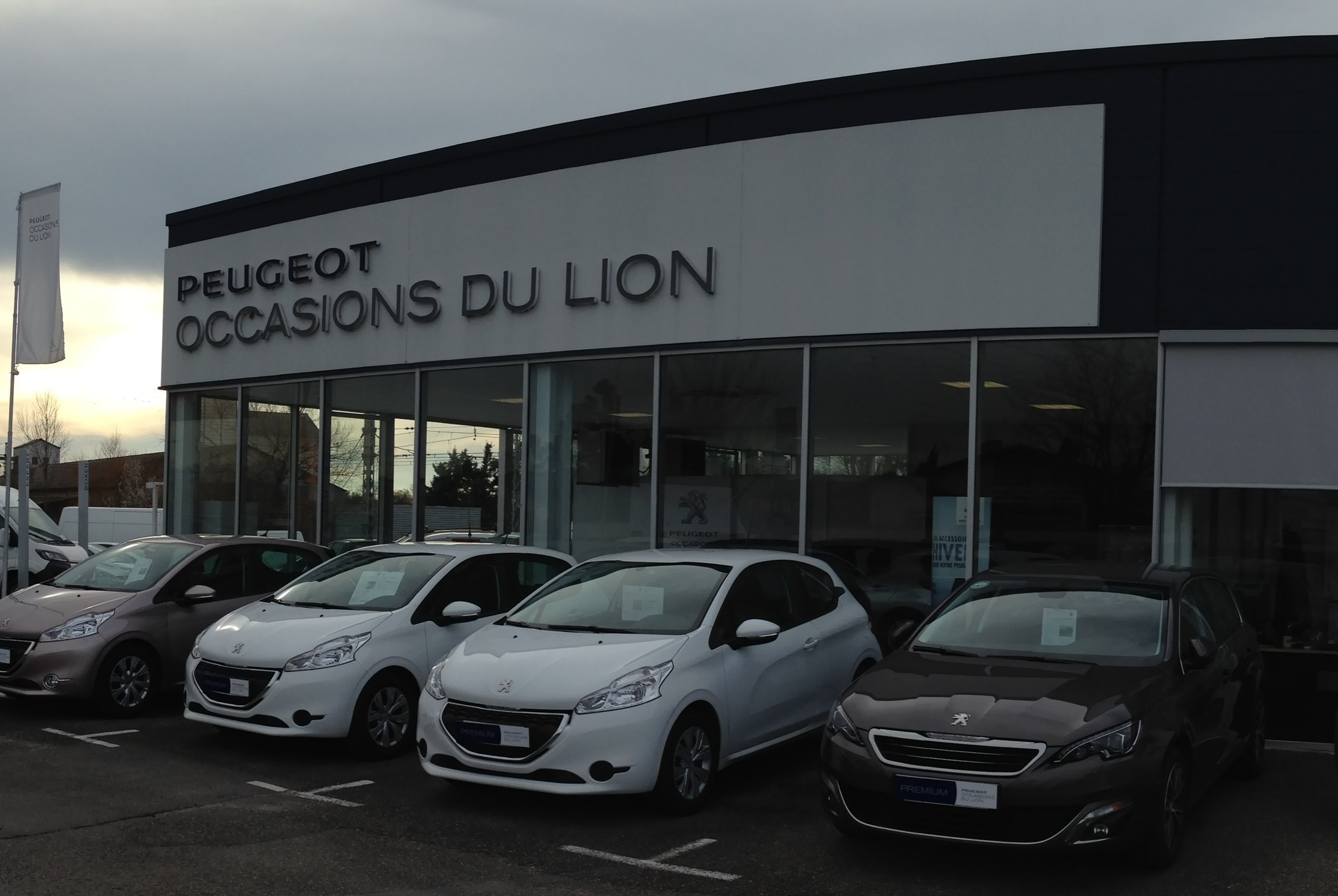 Peugeot Macard : pr sentation de la soci t peugeot macard caussade ~ Gottalentnigeria.com Avis de Voitures