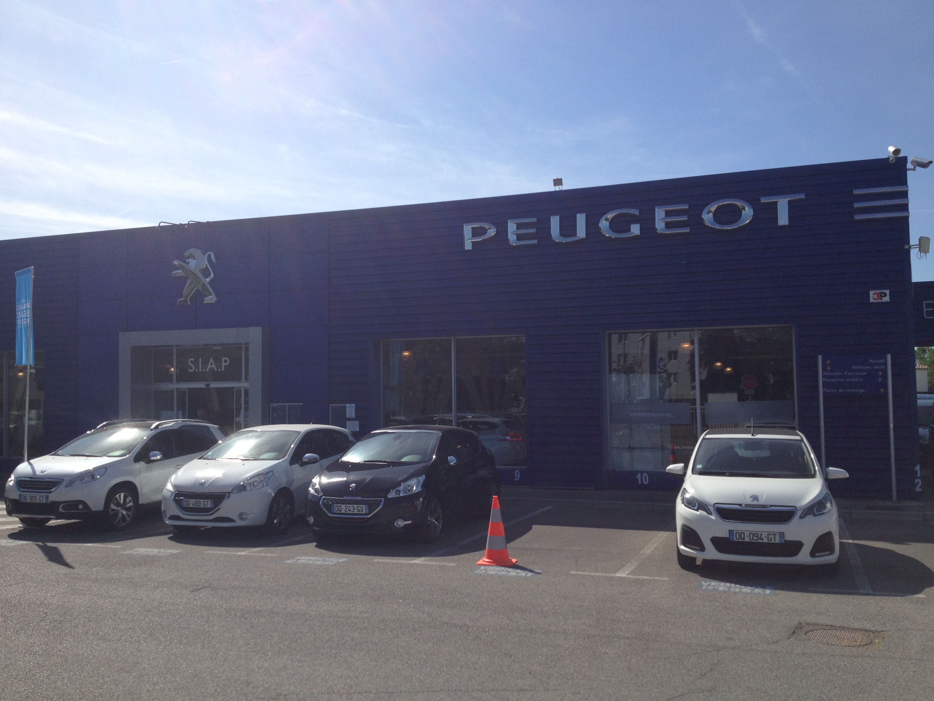 Automobiles peugeot siap marignane concessionnaire for Garage pole automobile marignane