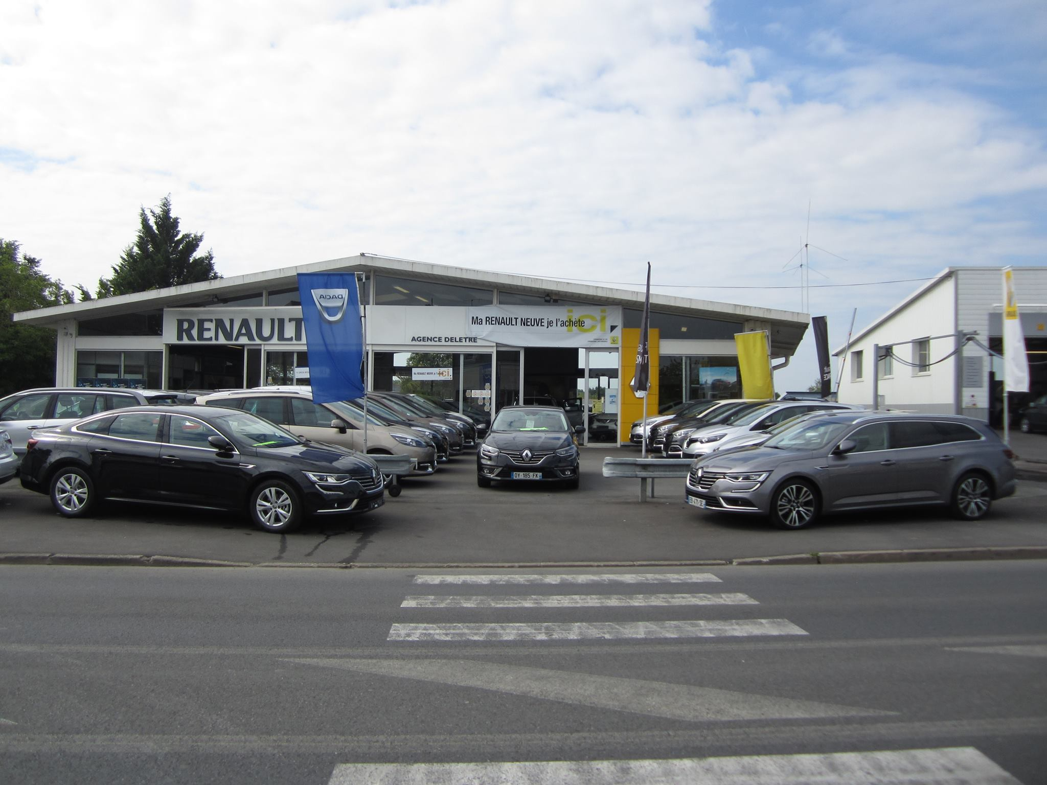 Garage deletre voiture occasion saint georges sur loire for Garage auto bussy saint georges