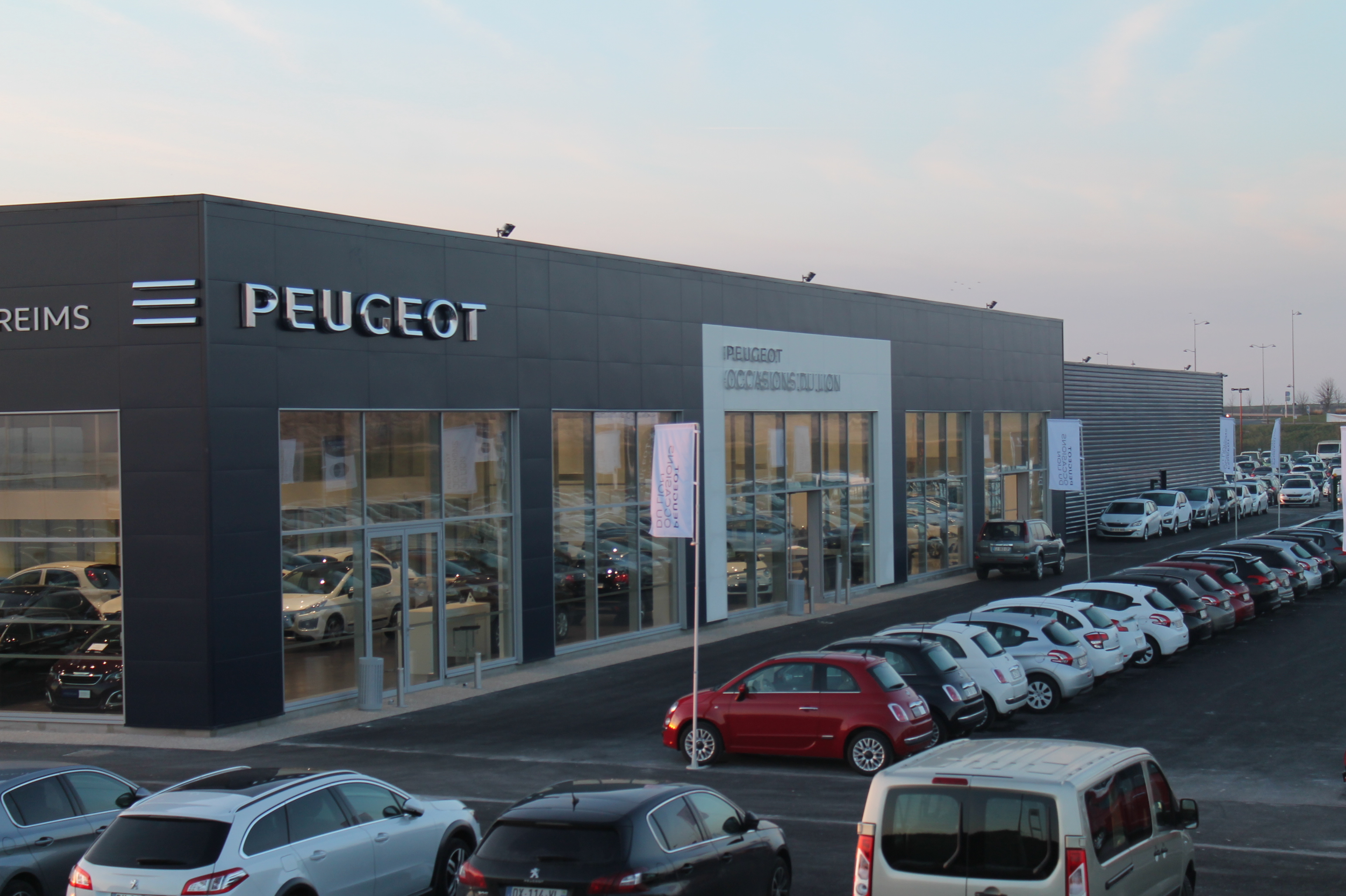 pr sentation de la soci t peugeot reims. Black Bedroom Furniture Sets. Home Design Ideas