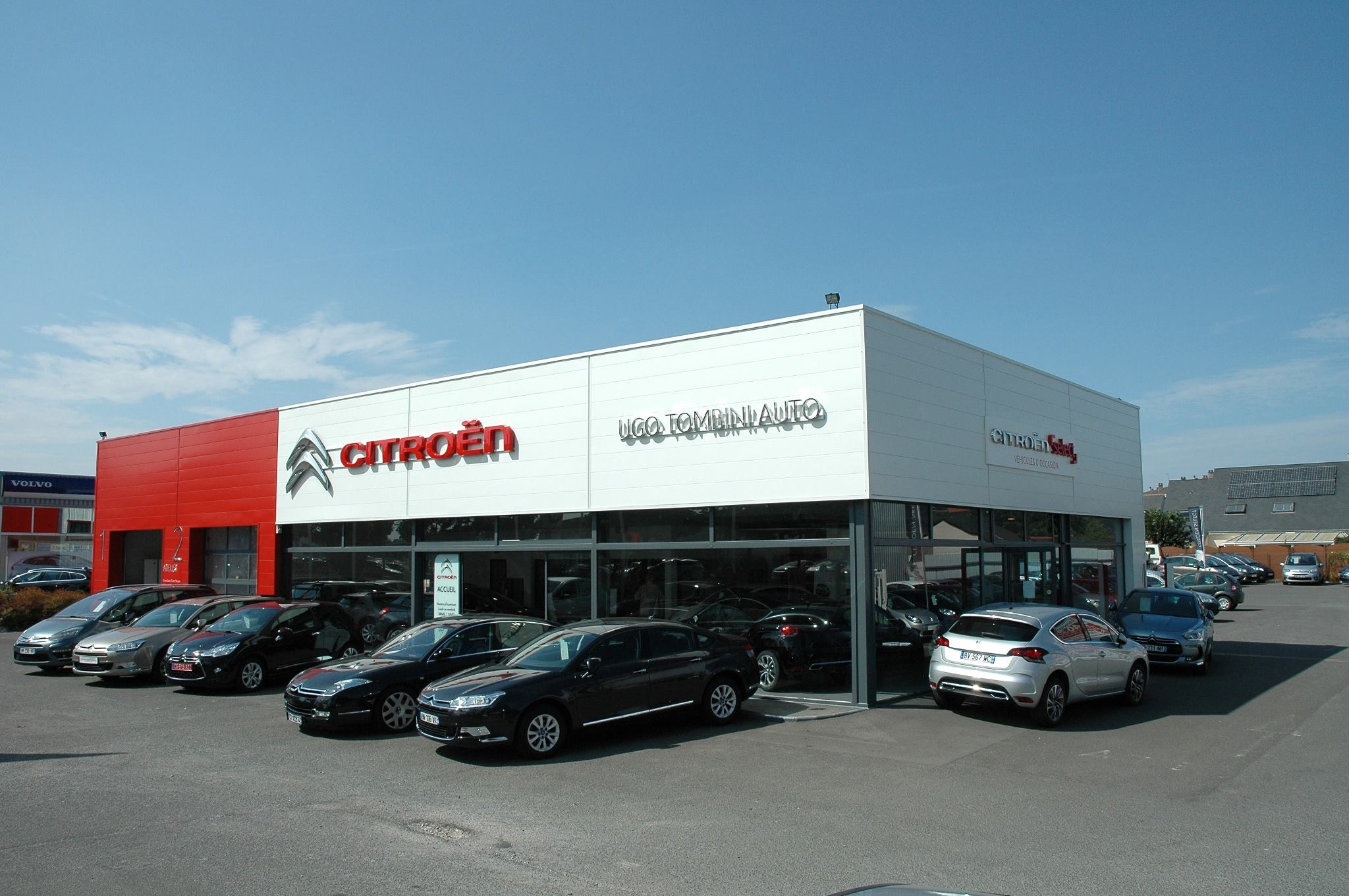 Ugo tombini automobiles voiture occasion angers vente for Garage vente voiture occasion angers