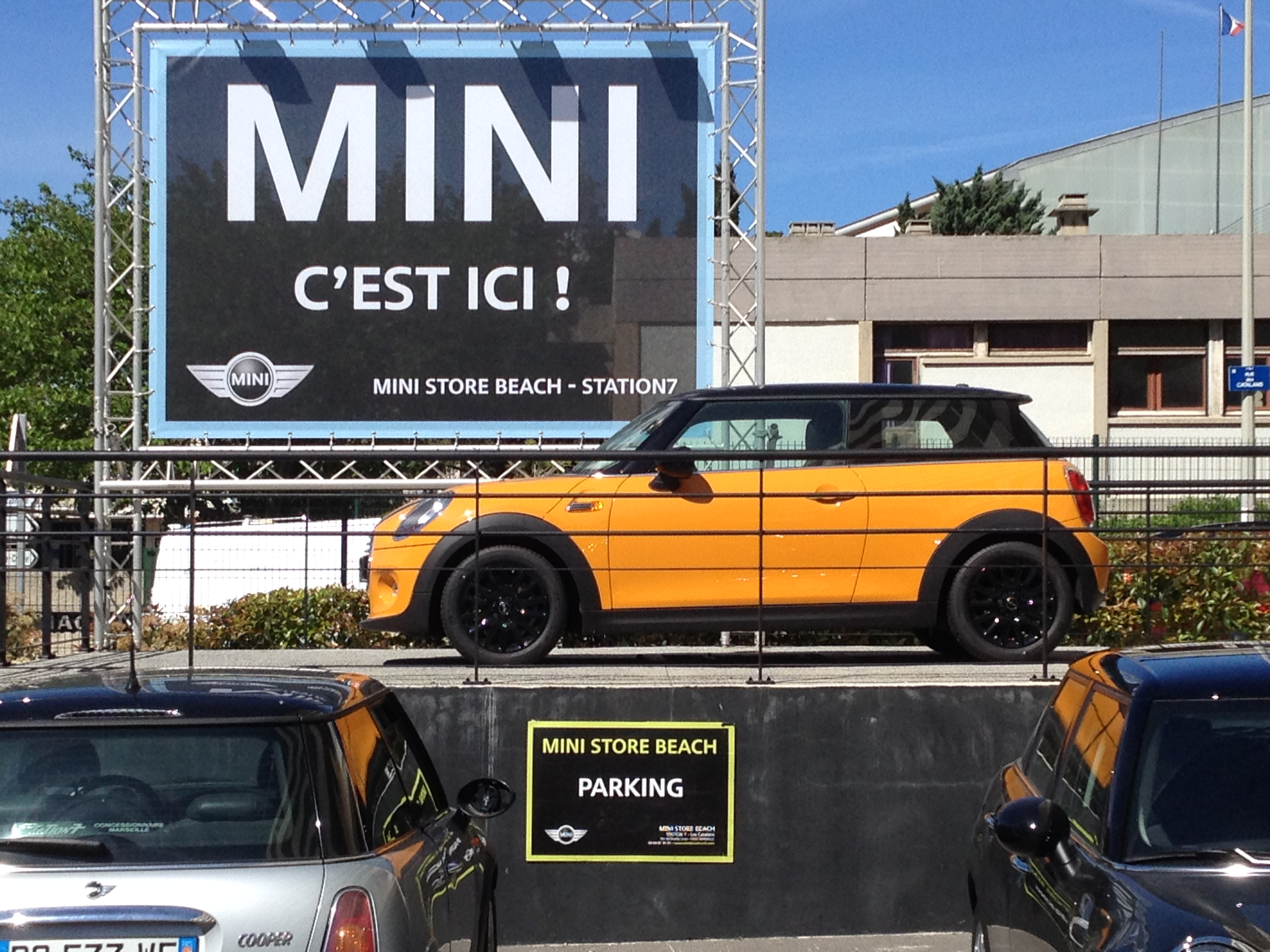 mini store beach catalan concessionnaire mini marseille auto occasion marseille. Black Bedroom Furniture Sets. Home Design Ideas