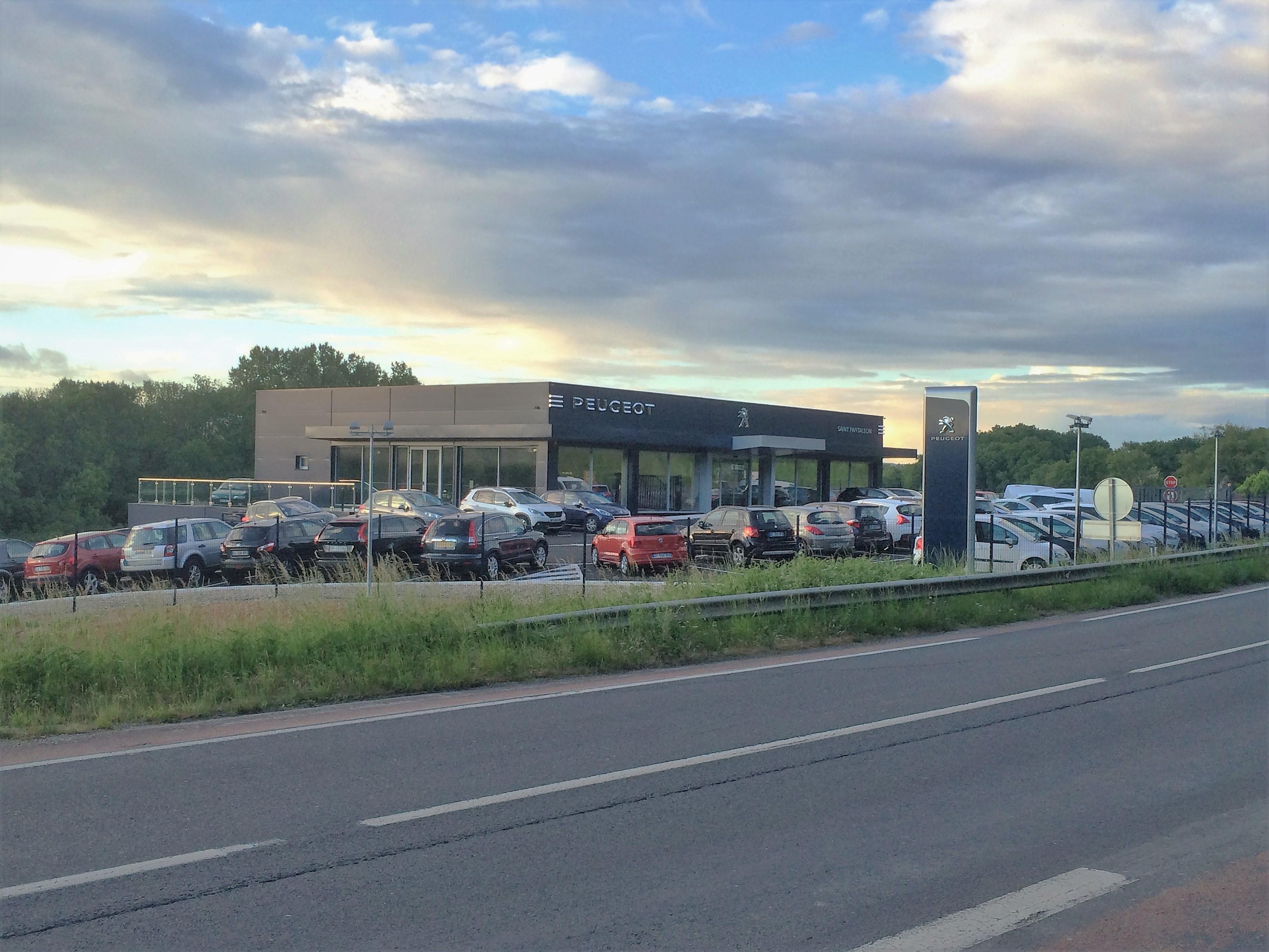 Peugeot saint pantaleon automobiles voiture occasion for Garage peugeot larche